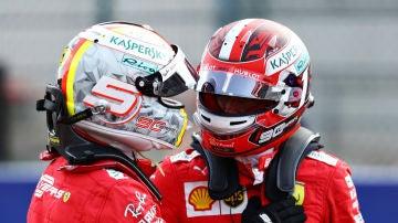 Vettel saluda a Leclerc