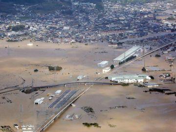 Destrucción en Japón por el paso del tifón Hagibis