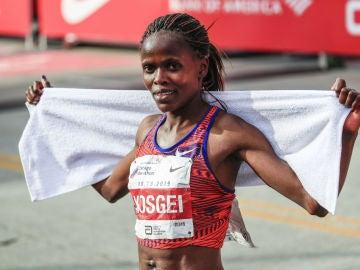 Kosgei, tras ganar en Chicago