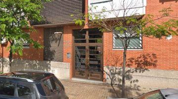 Imagen del edificio donde un hombre ha retenido a su mujer