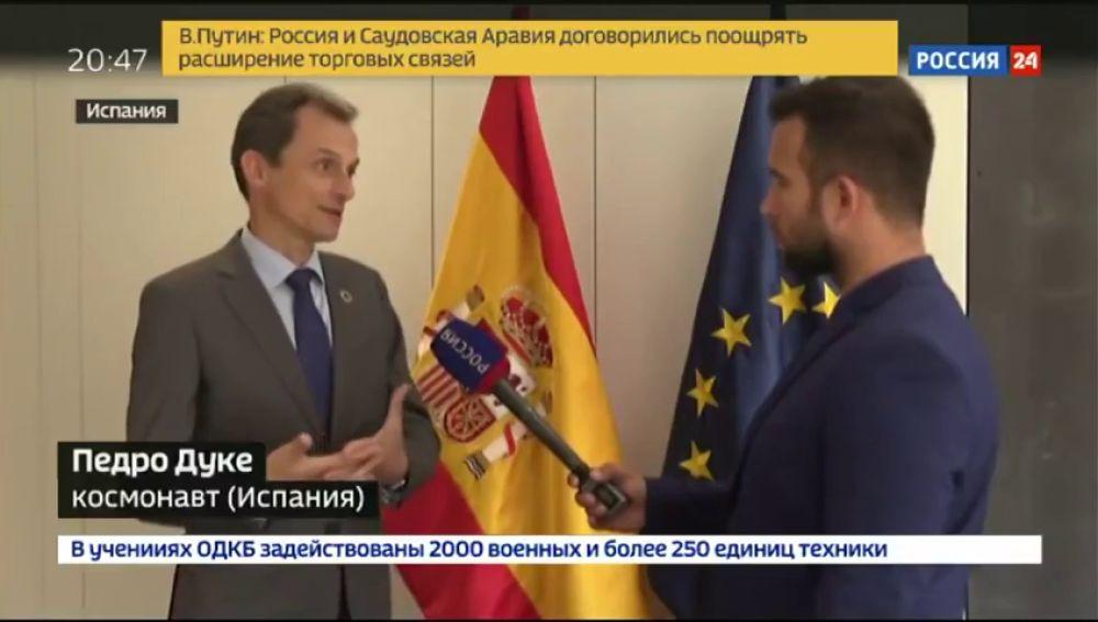El don de lenguas del ministro Pedro Duque: así explica en ruso la sentencia del 'procés' catalán