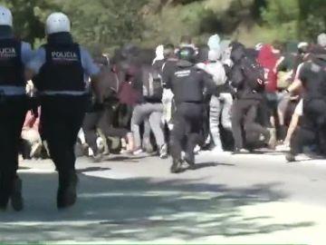 Cargas policiales durante la primera jornada de huelga estudiantil