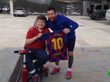 """Leo Messi cumple el sueño de Emanuel Arias: """"Se ofreció a operarlo sin costo"""""""