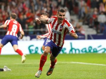 Ángel Correa celebra un gol