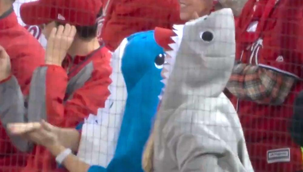 'Tiburones' bailando el 'Baby Shark'