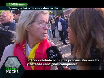 """""""Estoy aquí porque Franco nos salvó de comunismo"""": así se vivió la exhumación del dictador a las puertas de Mingorrubio"""