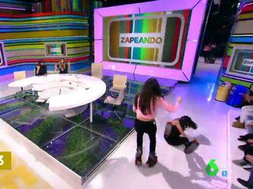 Lorena Castell se cae en Zapeando