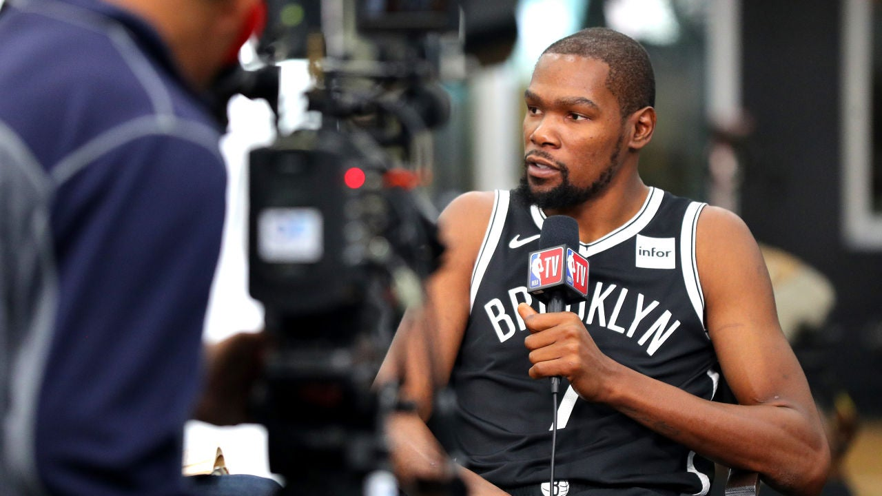 Kevin Durant habla con los medios en el 'Media day' de los Brooklyn Nets
