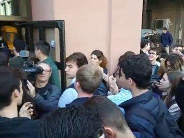 Huelga indefinida en las universidades catalanas: los piquetes bloquean los accesos de la Pompeu Fabra