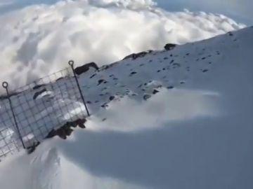 Un montañero graba su propia caída en directo en el Monte Fuji