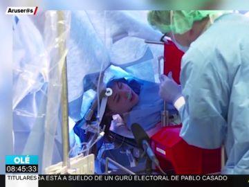 Retransmiten en directo una operación de cerebro con la paciente despierta