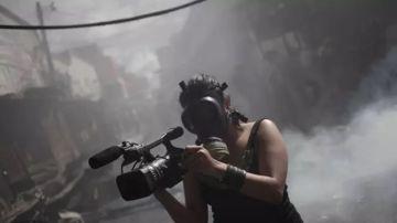 Imagen de archivo de una reportera en una zona de conflicto