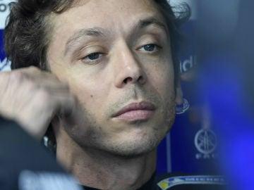 Valentino Rossi, con la mirada perdida