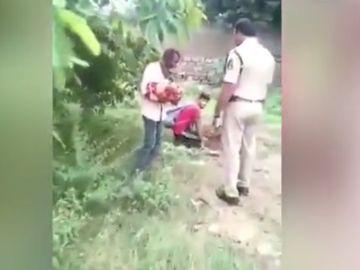 Rescatada una bebé en el momento en el que iban a enterrarla viva
