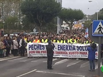 Manifestación en Viveiro en apoyo a Alcoa y el empleo