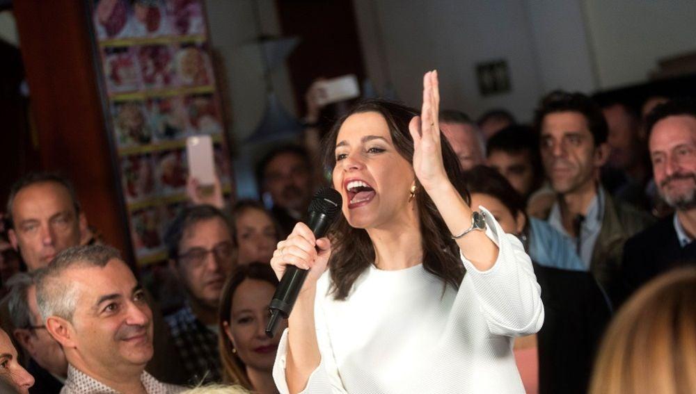Inés Arrimadas en un acto electoral