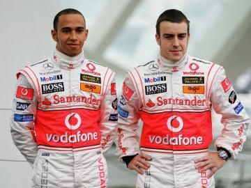 Lewis Hamilton, con Fernando Alonso en McLaren