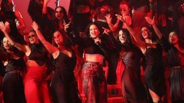 Rosalía, durante su actuación en los MTV EMAs de Sevilla