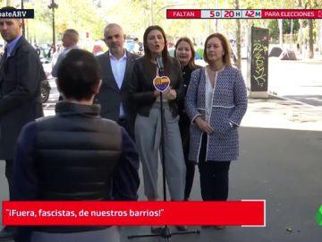 """Encontronazo entre miembros de Ciudadanos y los estudiantes acampados en Barcelona: """"Fuera, fascistas, de nuestros barrios"""""""