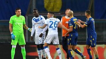Balotelli amenaza con irse del partido contra el Hellas Verona