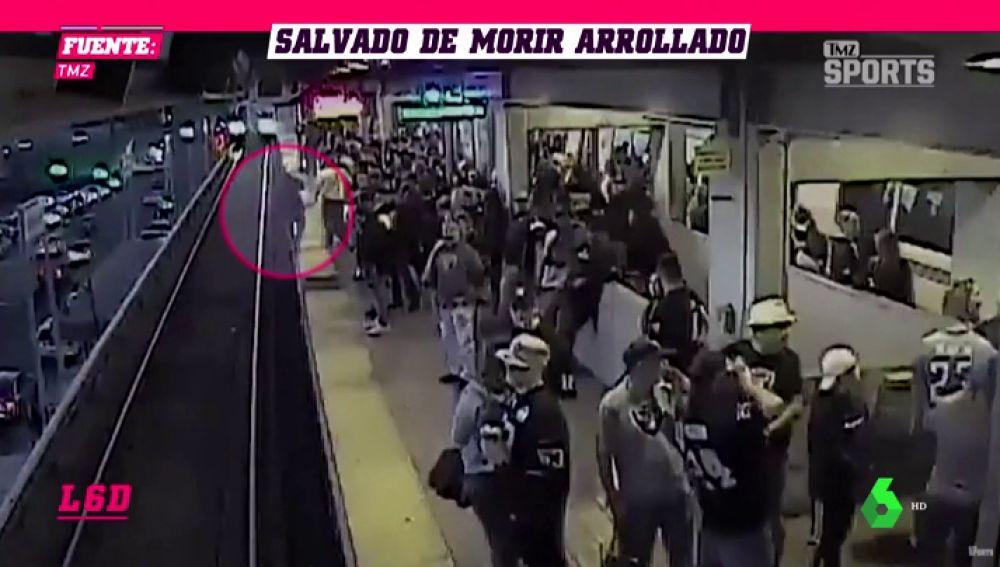 le salva la vida en el metro