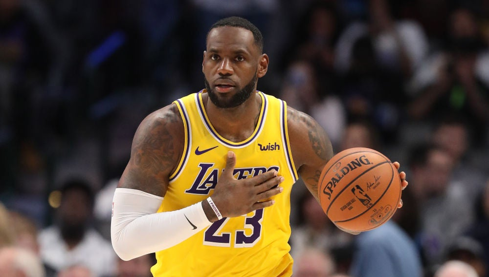 LeBron James, durante un partido de los Lakers