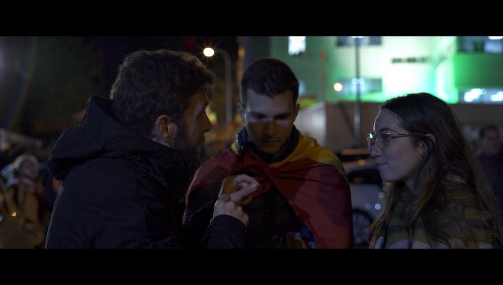 Gonzo habla con dos votantes de Vox