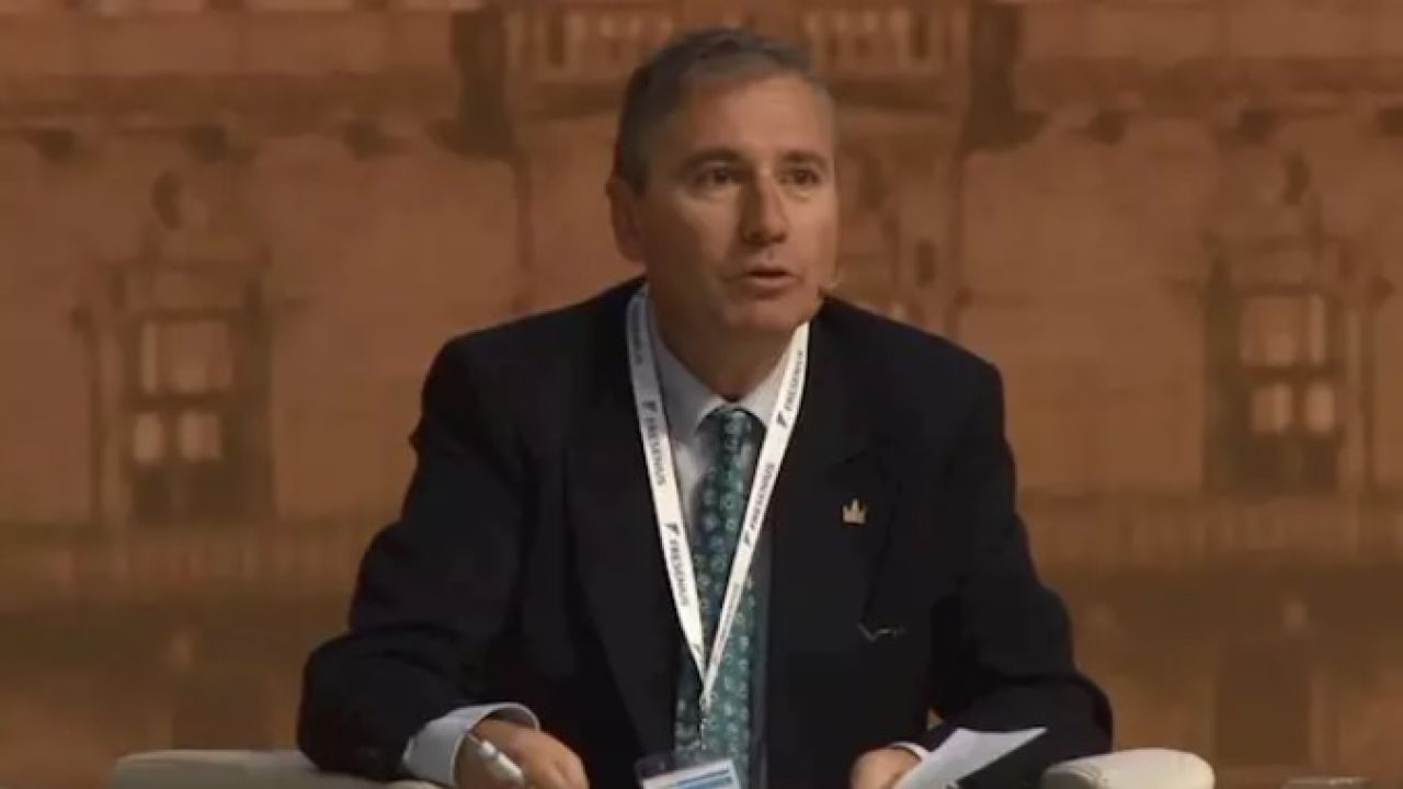 La Junta de Andalucía cesará al gerente del Servicio de Salud tras las protestas - LaSexta