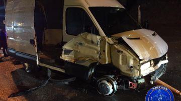 Estado en el que quedó el vehículo kamikaze tras atravesar la frontera