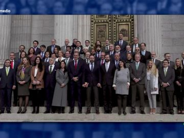 Santiago Abascal, con los diputados de Vox