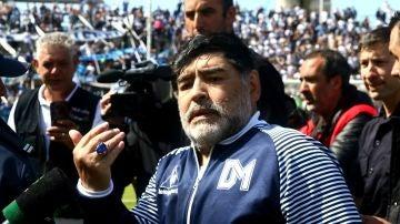 Maradona, tras un partido de Gimnasia y Esgrima de la Plata