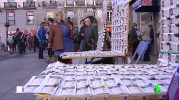 Cambios en la navidad madrileña: adiós a las largas colas de Doña Manolita y a los loteros sentados en la Puerta del Sol