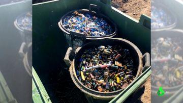 Investigan el hallazgo de 800 kilos de pilas enterradas en el vertedero madrileño de Valdemorillo