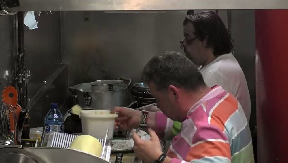 """Alberto Chicote, al cocinero de 'La Tarantella': """"Todo lo que está a tu alrededor está desordenado, gocho y sucio"""""""