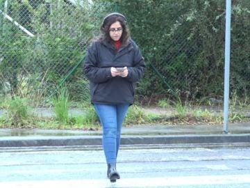 La DGT alerta a los peatones del uso de auriculares: ¿pueden multar por cruzar?