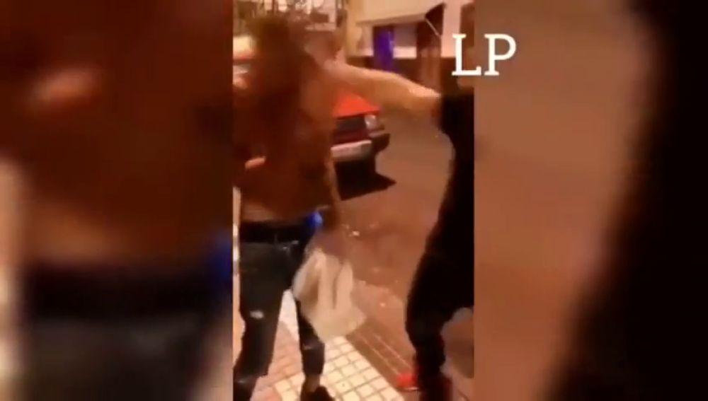 Un vídeo muestra una nueva y salvaje agresión salvaje a un joven en Gran Canaria