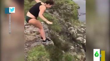 Vídeo de la caída de una joven