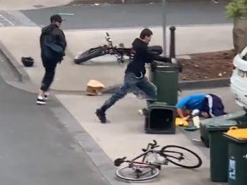 Salvaje agresión a un anciano
