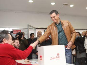 Pedro Sánchez en la votación del PSOE
