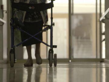 """Falta de personal, """"indignidad"""" y carencia de recursos: ¿son las residencias un lugar confortable para los ancianos?"""
