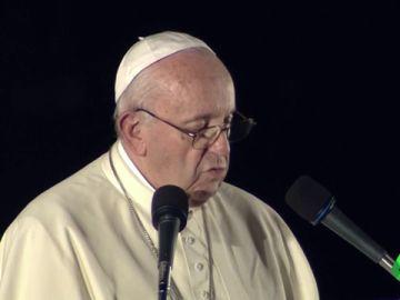 """El Papa Francisco manda un mensaje antinuclear en su visita a Japón: """"El uso de energía atómica con fines de guerra es inmoral"""""""