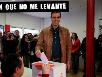 Pedro Sánchez participa en la consulta a la militancia sobre el acuerdo con UP