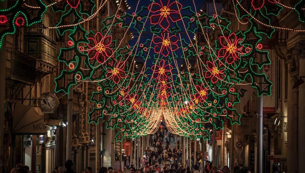 Calles iluminadas en Malta en Navidad