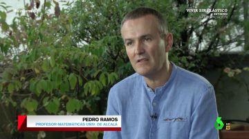 """El profesor Pedro Ramos explica por qué a los españoles se nos atascan las matemáticas: """"Estudiamos demasiadas y demasiado deprisa"""""""