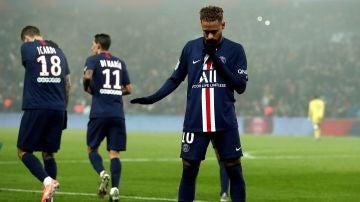 Neymar manda callar tras marcar contra el Nantes