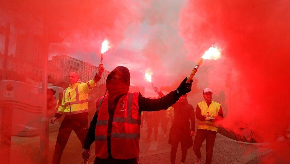 Varios manifestantes durante una de las protestas en Francia