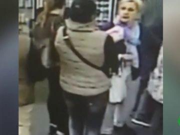 Detenida una de las mujeres que le robó el dinero de la pensión a una anciana en una farmacia de Cádiz