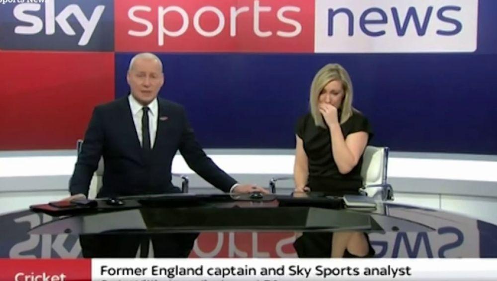 Una presentadora llora al contar en directo la muerte de una leyenda del deporte inglés