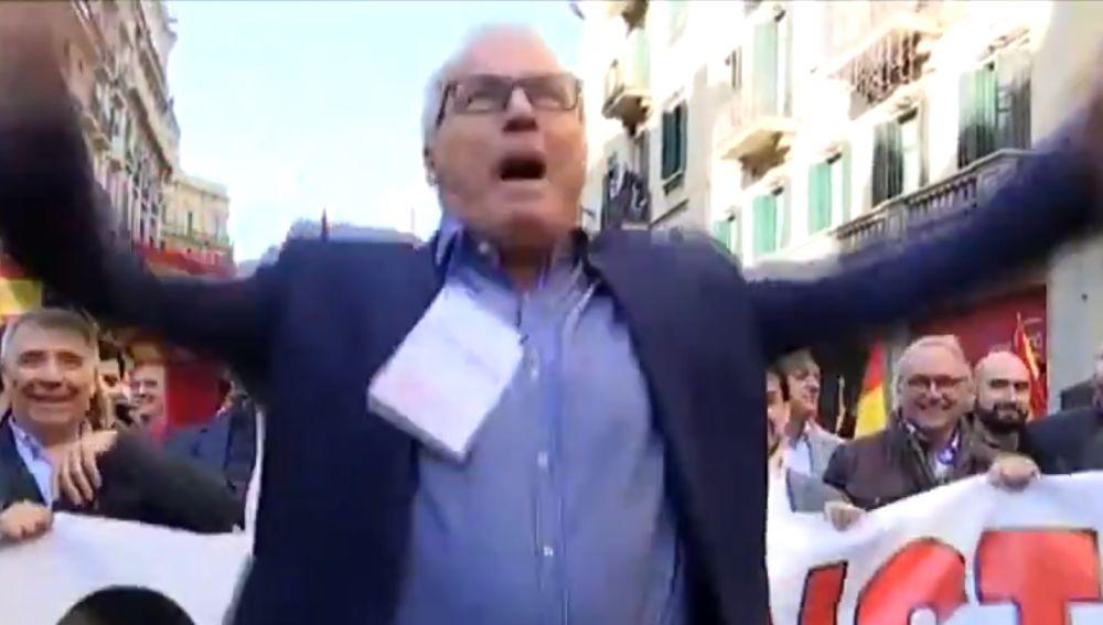 Josep Bou en la manifestación por el Día de la Constitución