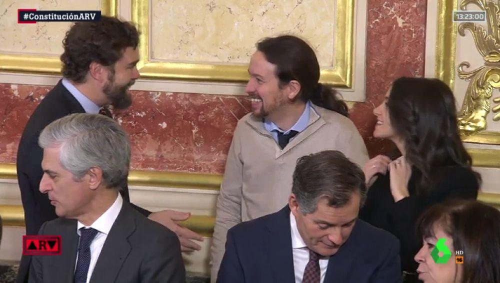 La unión que solo logra la Constitución: Espinosa de los Monteros, Pablo Iglesias e Inés Arrimadas, juntos y riendo en el Congreso